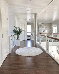 La imagen puede contener: mesa e interior Dream House Interior, Luxury Homes Dream Houses, Dream Home Design, Modern House Design, My Dream Home, Home Interior Design, Dream Rooms, House Rooms, Design Case