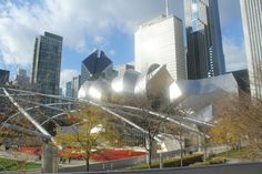 Since the weather is so beautiful, we check out the sites at Millennium Park.  #MyDayinStitchFix