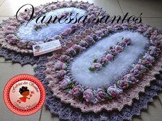 Feitos com Barbante,temos Crochet Projects, Crochet Earrings, Elsa, Rugs, Flowers, 1, Bathroom Mat, Crochet Carpet, Diy And Crafts