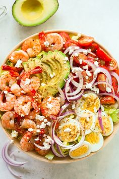 Looking for a high-protein salad? How about this delicious Shrimp Avocado Tomato Salad recipe? It's fres Looking for a high-protein salad? How about this delicious Shrimp Avocado Tomato Salad recipe? It's fresh, healthy, easy and quick to make! Tomato Salad Recipes, Avocado Recipes, Healthy Salad Recipes, Lunch Recipes, Seafood Recipes, Whole30 Recipes, Vegetarian Salad, Xmas Recipes, Baby Recipes