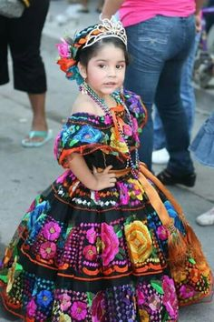 She is amazing in that Chiapas Mexican Traditional Clothes!!