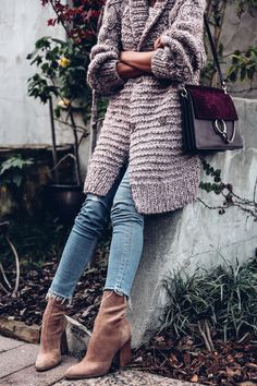 Ideas chunky boats outfit winter cozy sweaters for 2019 Passion For Fashion, Love Fashion, Fashion Trends, High Fashion, Fall Winter Outfits, Autumn Winter Fashion, Winter Style, Winter Boots, Oversized Cardigan