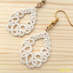 just image : DIY accessories tatting Tatting Earrings, Tatting Jewelry, Lace Earrings, Lace Jewelry, Tatting Lace, Bead Jewellery, Jewelery, Crochet Earrings, Diy Crochet Jewelry