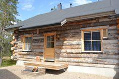 Comfortable log cabin in popular Äkäslompolo in Ylläs. Aurora, Garage Doors, Cabin, Outdoor Decor, Home Decor, Decoration Home, Room Decor, Cabins, Northern Lights