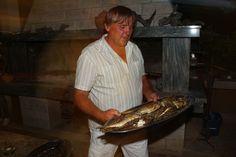 Fisch vom Grill. Camping Nevio, Restaurant.
