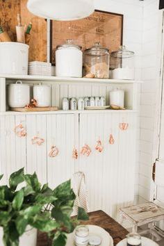 Liz Marie takes on a quick and cute litte DIY Garland all with Cookie Cutters. Check out how they turned out and where she styled them in her home! Farmhouse Kitchen Decor, Vintage Farmhouse, Country Kitchen, Farmhouse Table, Country Homes, Country Farmhouse, French Country, Vintage Decor, Rustic Decor