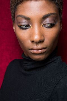 Fall 2017 Makeup Trends - Fall and Winter Beauty Trends From the Runway - ELLE.com
