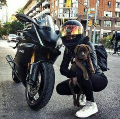Black Yamaha motorcycle biker girl and dog .-Schwarzes Yamaha Motorrad Biker Mädchen und Hund # … – Auto Innenausstattung Design Black Yamaha motorcycle biker girl and dog # … - Moto Yamaha R6, Yamaha R6 Black, Honda Cb750, Moto Guzzi, R15 Yamaha, R6 Motorcycle, Motorbike Girl, Motorcycle Design, Motorcycle Outfit
