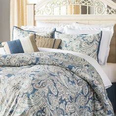 Shop Three Posts Bridgnorth 7 Piece Comforter Set and similar comforter set ♥♥♥ Defined by its traditional paisley pattern and soft color palette, this seven-piece comforter set brings a touch of clas King Size Duvet Covers, Duvet Cover Sets, King Comforter, Comforter Sets, Blue Comforter, Bedroom Colors, Bedroom Decor, Bedroom Ideas, Garden Bedroom