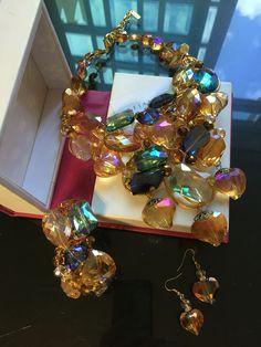 Collar, pulsera y aretes.  FB: Alejandra Aceves Diseño de Autor.
