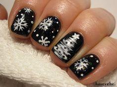 Snowflakes and chrismastree nails - Śnieżynki i choinka na paznokciach -...