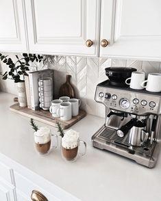 Coffee Bar Station, Coffee Station Kitchen, Coffee Bars In Kitchen, Coffee Bar Home, Home Coffee Stations, Tea Station, Coffee Bar Ideas, Coffe Bar, Coffee Mugs