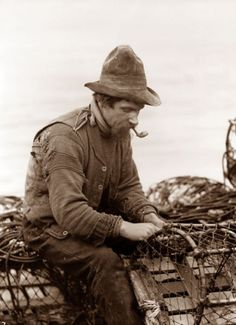 :::::::::: Vintage Photograph ::::::::: Fisherman, Whitby, England.  Taken by Frank Meadows Sutcliffe, pioneering Victorian photographer.