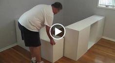 Per questo papà andare all'Ikea è stato sicuramente fonte d'ispirazione. Ecco quello che è riuscito a creare partendo da semplici scaffali ed alcuni pensili da cucina. Davvero geniale