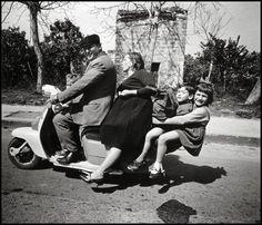 Foto del Giorno: La Famiglia Sulla Strada