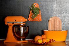 FLORAPOCKETS: felakasztható tárolók #florapockets Kitchen Aid Mixer, Kitchen Appliances, Interior, Food, Diy Kitchen Appliances, Home Appliances, Indoor, Essen, Meals
