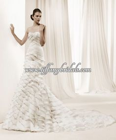 La Sposa 2011 Bridal Gown Collection -- Dante tiers of ruffle wedding dress, sweetheart neckline strapless -- La Sposa 2011 Wedding Dresses La Sposa Wedding Dresses, Vintage Style Wedding Dresses, Elegant Wedding Dress, Wedding Bridesmaid Dresses, Wedding Dress Styles, Designer Wedding Dresses, Bridal Dresses, Prom Dresses, Lace Wedding
