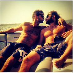 Greyston Holt and Steve Lund This is a very sexy picture. Same Love, Lund, Attractive Men, Trending Memes, Pride, Celebs, Male Celebrities, Gay, Boyfriend