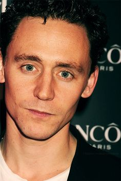 Tom, again with the eyes....whhhookay. I feel like a cobra dancing to those eyes instead if a tune(TOM..close enough). Yesss, so you are charming, always. Thank you for loving and interacting with your fans.