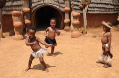 Cute Zulu children dancing in Shakaland, Kwa-Zulu Natal, South Africa Poor Children, Children Dancing, Black And White People, Bless The Child, African Children, Dance Humor, Shall We Dance, Try Not To Laugh, Zulu