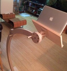 Access to Lumberjocks from surgical recovery- laptop/ipad stand for bed
