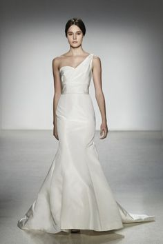5 stunning one shoulder wedding dresses