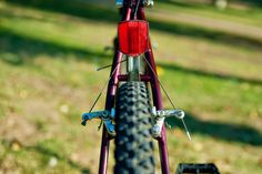 An interesting depiction of a bicycle which might well work on a small surface. Wind Chimes, Badge, Surface, Bicycle, Outdoor Decor, Projects, Design, Log Projects, Bike