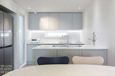 분당에서 스톡홀름 느끼기 _ 분당 31평 아파트 인테리어 [옐로플라스틱/yellowplastic/옐로우플라스틱] : 네이버 블로그 Kitchen Dining, Kitchen Cabinets, Dining Room, Kitchen Interior, My Room, Interior Design, Furniture, Home Decor, Room