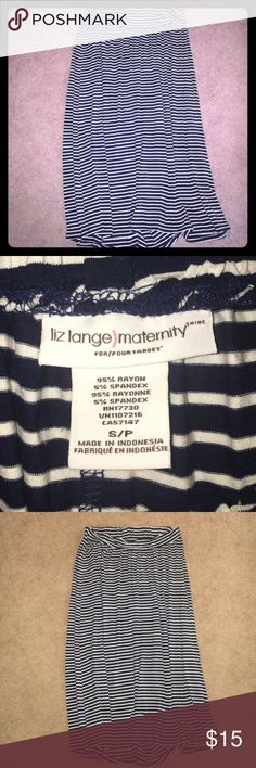 Liz Lange Maternity Striped flowy Midi skirt-Small New without tags size Small (although I think it runs a bit big) Liz Lange Maternity midi skirt (hits mid calf) Skirt navy blue and white striped skirt perfect for any summer or spring Maternity wardrobe Liz Lange Skirts Midi