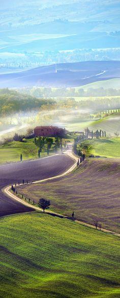 Countryside road in Tuscany, Italy. #worldtraveler
