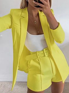 Look Blazer, Blazer And Shorts, Blazer Suit, Belted Shorts, Blazer Dress, Dress Shoes, Classy Outfits, Chic Outfits, Fashion Outfits