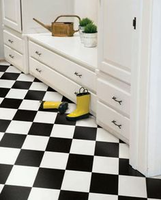LOVE black and white vintage tiles!