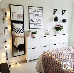 Teen bedroom interior design ideas color scheme plus decor i Deco Studio, Cute Room Ideas, Teenage Room, Home Decor Bedroom, Bedroom Ideas, Diy Bedroom, Trendy Bedroom, Bedroom Plants, Bedroom Black