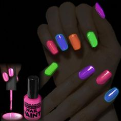 How to make glow in the dark nail polish.: This is how it can look in the dark depending on your colour choice! Dark Nail Polish, Clear Nail Polish, Dark Nails, Polish Nails, Glow In Dark Party, Glow Party, Glow Stick Jars, Glow Sticks, Glow Nails