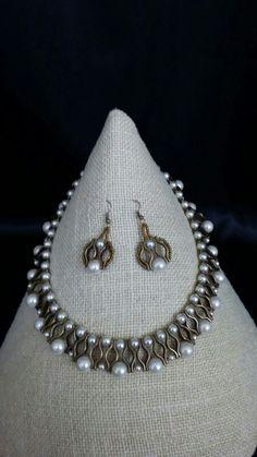 Ожерелье с жемчугом Diy Jewelry, Beaded Jewelry, Jewelery, Jewelry Necklaces, Handmade Jewelry, Beaded Necklace, Jewelry Design, Jewelry Making, Unique Jewelry