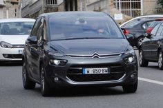 New Citroen Picasso spied undisguised Citroen Ds, Picasso, Peugeot, Spy, Trucks, Family Cars, Vehicles, Image, Inspired