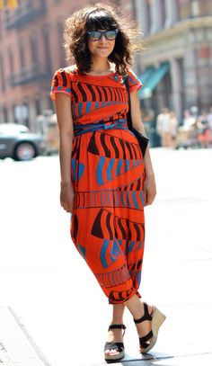 Street Style 2020 - Stylish Concert, Festival, and Fashion Week Street Looks Street Chic, Street Style, Mode Style, Style Me, Wild Style, Style Africain, Outfit Trends, Orange And Turquoise, Look Chic