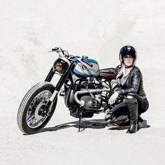 We love the hints of Barbarella styling in this BMW R100 RS custom from the south of France.