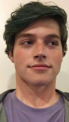 When Joe throws out all the chocolate milk and you're trying to keep your cool. Froy Gutierrez, Dont Love Me, Face Claims, Writing Inspiration, Teen Wolf, Actors & Actresses, Bae, Muffin, Milk