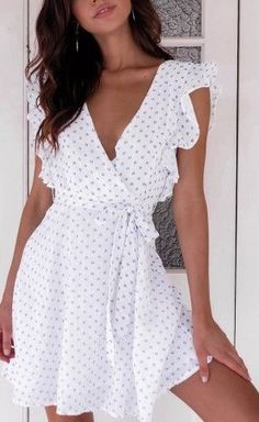 This cute mini wrap dress but in red polka dot please Elegant Dresses, Cute Dresses, Casual Dresses, Short Sleeve Dresses, Floral Dresses, Flowy Dress Casual, White Flowy Dress, Wrap Dresses, Stylish Outfits