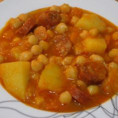 Discover recipes, home ideas, style inspiration and other ideas to try. Spanish Kitchen, Budget Meals, International Recipes, Chana Masala, Soups And Stews, Bon Appetit, Vegetarian Recipes, Food Porn, Food And Drink