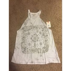 NWT BILLABONG TOP New! The tag is not attached but I do have it! Smoke and Pet Free home. Never worn! Billabong Tops Tank Tops