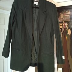 Green women's business jacket Pretty green business jacket- 100% wool- tags still on- never been worn- this garment has shoulder pads Sag Harbor Jackets & Coats Blazers