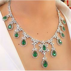 Pear shaped emeralds and diamond necklace. Luxury Jewelry, Modern Jewelry, Fine Jewelry, Diamond Pendant Necklace, Diamond Jewelry, Opal Jewelry, Necklace Designs, Or Rose, Beautiful Necklaces