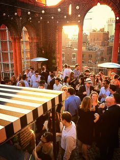 New York City Rooftops: The Trendiest Places To Drink And Dine Up High (PHOTOS)