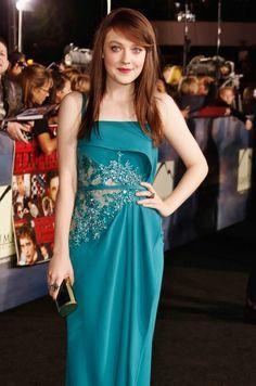 Dakota Fanning at the Breaking Dawn 2 premiere