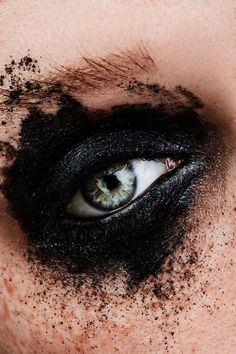 #beauty #makeup #closeup #felix #rachor #felixrachor #shooting #studio #indoor #fashion #hair #lips #eyes #portrait #hairstyle #styling #editorial #magazine #beautyedotorial #creative #crazy #photography #model #posing #black #blackeyes #creativeportraitphotography #eyemakeupcrazy