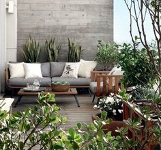 Large backyard landscaping ideas are quite many. However, for you to achieve the best landscaping for a large backyard you need to have a good design. Pergola With Roof, Cheap Pergola, Pergola Shade, Patio Roof, Pergola Plans, Pergola Ideas, Large Backyard Landscaping, Backyard Pergola, Outdoor Rooms