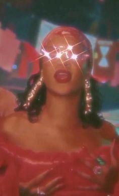 Badass Aesthetic, Film Aesthetic, Bad Girl Aesthetic, Aesthetic Videos, Aesthetic Pictures, Rihanna Baby, Rihanna Riri, Rihanna Style, Rihanna Music Videos