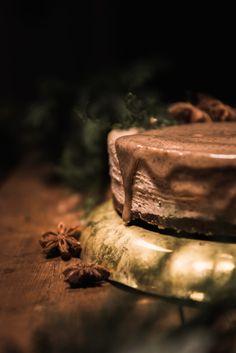 Gingerbread Raw Cake (gluten + dairy-free!)